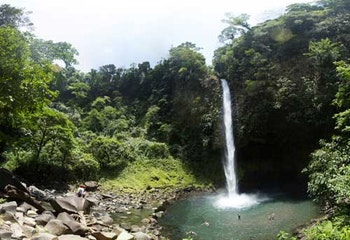 2 in 1 Tour - Waterfall & Volcano Hike
