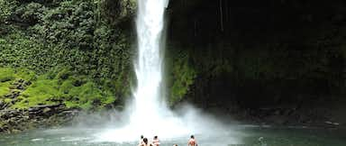 2 in 1 La Fortuna Waterfall</span> + Volcano Hike